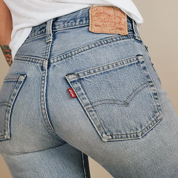 A red tab. That must be a Levi's.